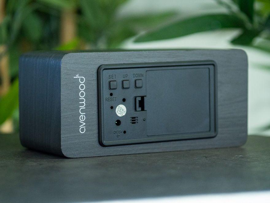 AVENWOOD induktiv 10W charging Black Wecker