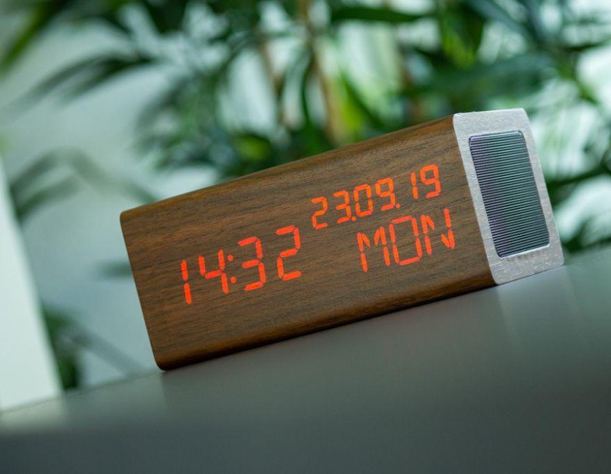 AVENWOOD induktiv 10W charging Nussbaum Wecker with Speaker